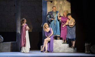 'Mercat d'amors' s'estrena a Peníscola amb l'aclamació del públic del Festival de Teatre Clàssic