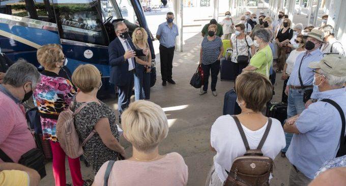 Castellón Sénior retomará en septiembre los viajes por la provincia con más de 6.500 inscripciones para los tres circuitos del programa de vacaciones de la Diputación