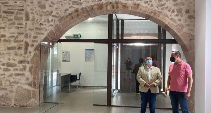 El director general d'Administració local valora la recuperació del patrimoni cultural de Betxi i Vilafamés