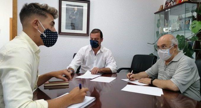 Peñíscola signa un conveni amb el rector de la localitat per al manteniment de les campanes de l'Ermitana i la parròquia de Santa Maria