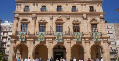 Castelló rinde homenaje a las víctimas de la covid-19 y a los trabajadores y trabajadoras de los servicios esenciales