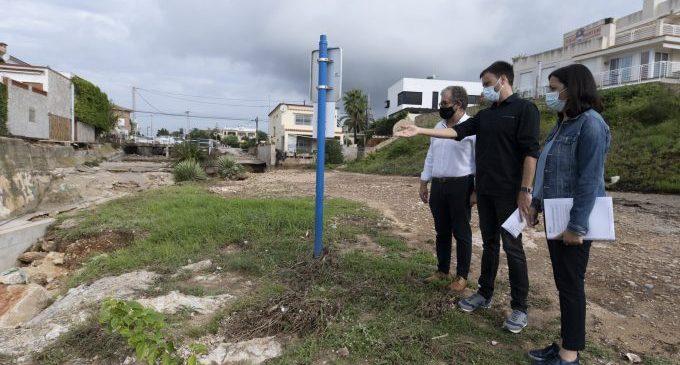 La maquinaria del Consorcio Provincial de Bomberos ya trabaja para abrir caminos y recuperar la normalidad en Vinaròs