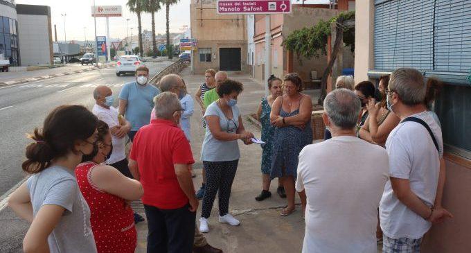 Ballester atiende las peticiones de los vecinos del barrio del Rajolar en una nueva edición de 'Onda barri a barri'