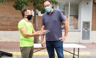 La Vall d'Uixó instala una mesa informativa para fomentar el reciclaje