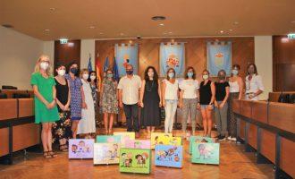 Burriana reparte las Maletas Coeducativas entre los  centros de Infantil y Primaria de la ciudad