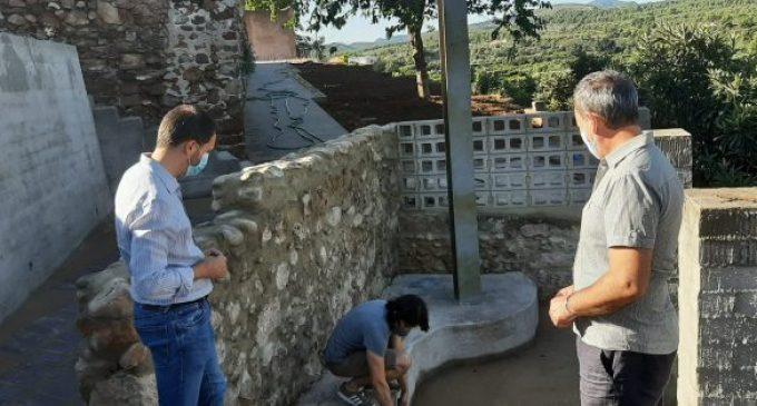 Ximo Huguet visita a Sot de Ferrer les obres que finança la Diputació per 247.000 euros per a recuperar urbanísticament l'Hinchador i ampliar el cementeri