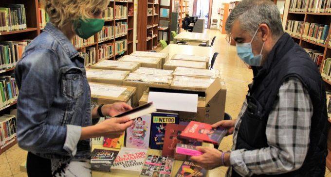 Castelló entrega llibres amb perspectiva LGTBI als centres de secundària