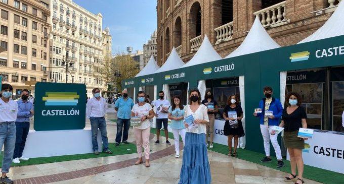Vinaròs promociona la seua oferta turística en una acció de carrer a València