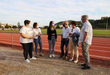 La Vall d'Uixó reabre la pista de atletismo tras la finalización de las obras y el cambio del tartán
