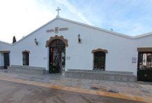 Almenara prepara el cementeri per a celebrar Tots Sants