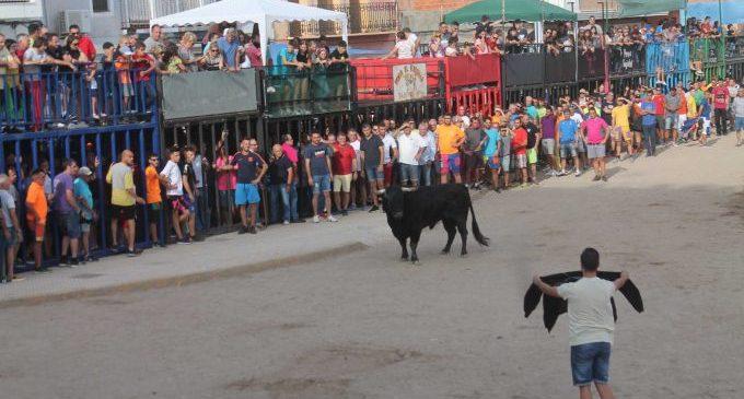 El bou per la vila torna a Almenara